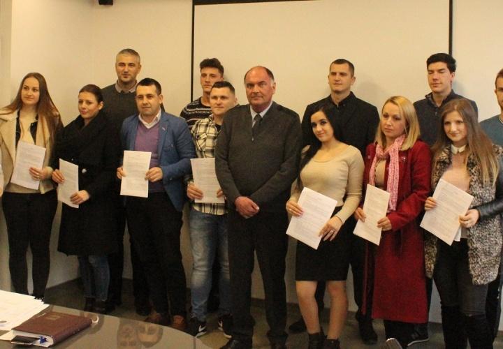 Potpisani ugovori sa deset novih i mladih poduzetnika u Općini Živinice