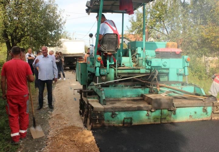 Asfaltirane nove dionica puteva u Mjesnoj zajednici Oskova