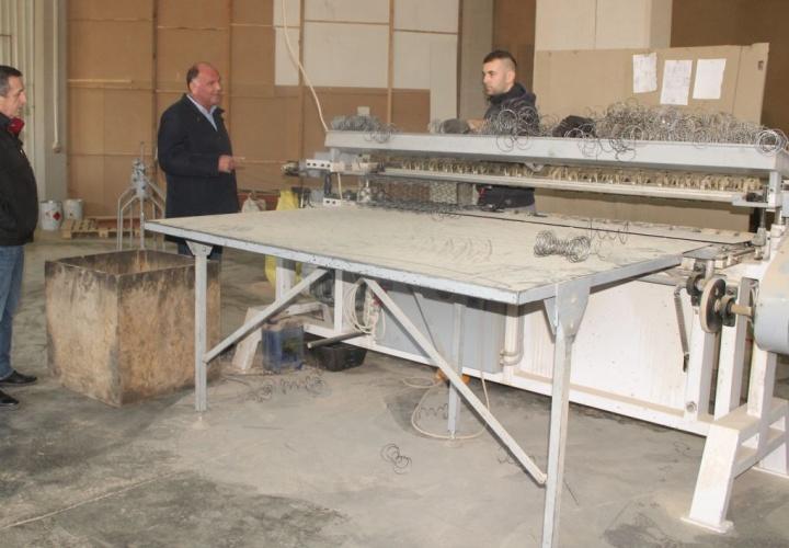 """Gradonačelnik Samir Kamenjaković posjetio živiničku firmu """"JEESA furniture D.O.O"""""""