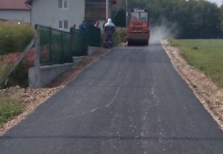 Asfaltirane dvije nove dionice puta u Mjesnoj zajednici Rudar