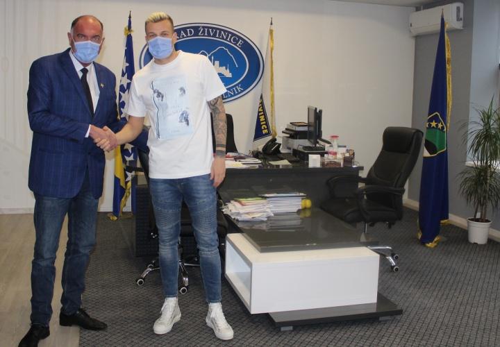 Gradonačelnik Kamenjaković upriličio prijem za fudbalera Memiševića